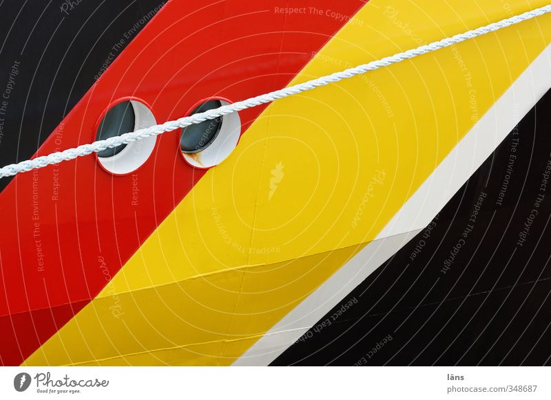 zwei Augen weiß rot schwarz gelb Wasserfahrzeug Linie gold Verkehr Seil Streifen Schifffahrt Bullauge