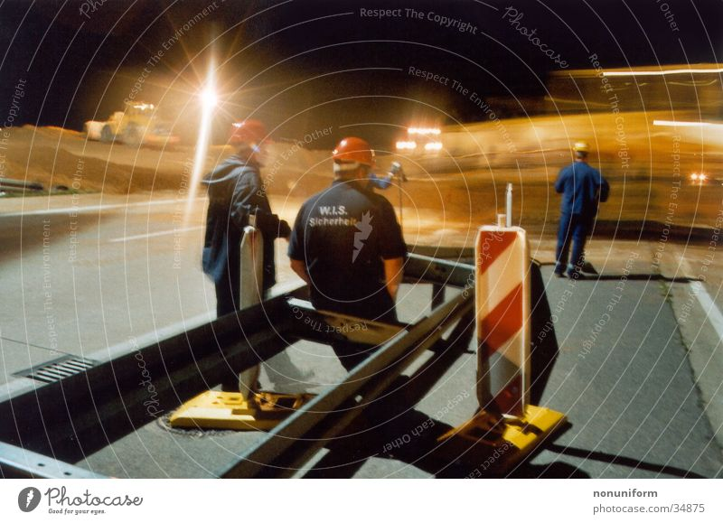 Baggercrossing A61 - 2004 - 2 Autobahn Rheinisch-Westfälisches Elektrizitätswerk AG Braunkohle Nacht Langzeitbelichtung Arbeiter Sicherheit Verkehr Bulldotzer