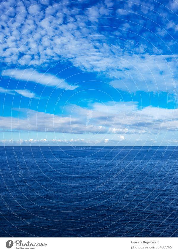 Meeresoberfläche oben abstrakt Hintergrund blau Windstille Sauberkeit Farbe liquide Natur niemand Muster Rippeln kräuselte MEER Himmel Oberfläche Ansicht Wasser