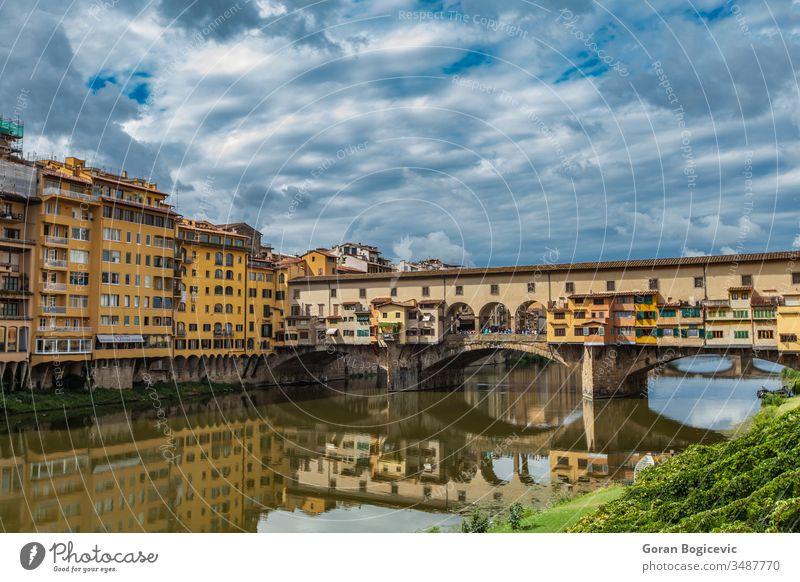 Ponte Vecchio am Arno in Florenz, Italien antik Architektur Gebäude Stadtbild Ausflugsziel Europa Europäer berühmt brennen historisch Historie Italienisch