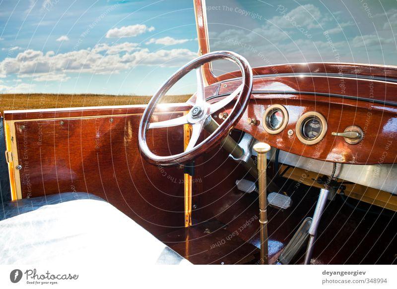 Altes Retro-Auto-Interieur Reichtum elegant Stil Design Ausstellung Hütte Verkehr Fahrzeug PKW Cockpit alt retro Geschwindigkeit altehrwürdig Innenbereich