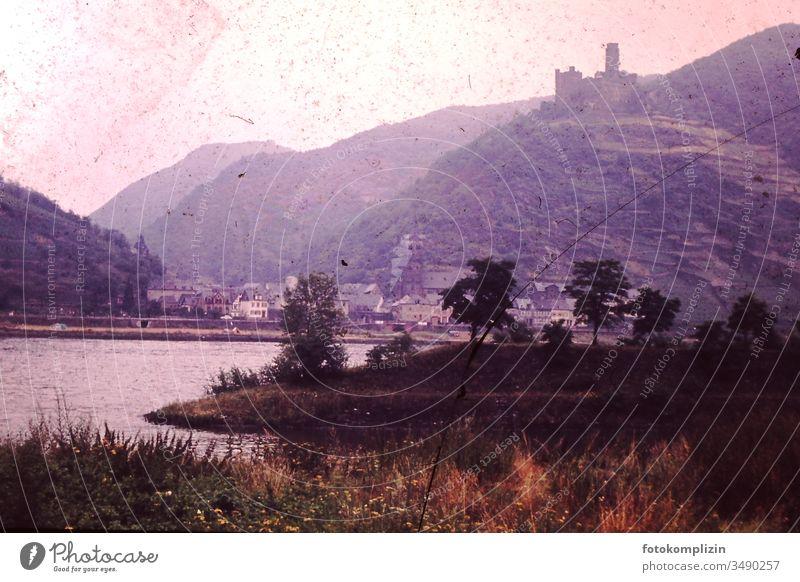 altes Dia von Burg am Fluß Burg am Rhein rhein Fluss Landschaft Durchmesser Diapositiv Rheintal vergilbt Geschichte Erinnerung vergangenheit alte Zeiten 50iger