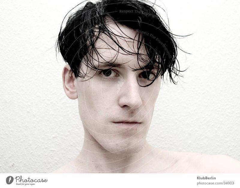 Bart ab #3 Mann intensiv Porträt hart direkt High Key bewegungslos kalt Vollbart rasiert Blick Klarheit geringe Sättigung nasse Haare schön