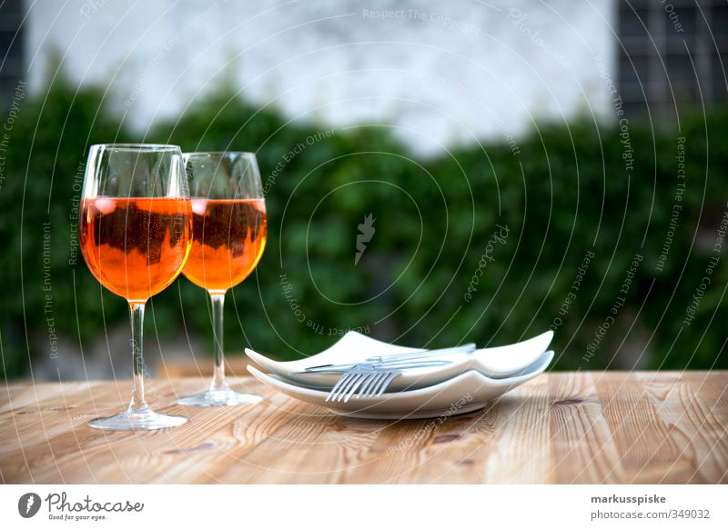 Aperol Spritz Erholung Haus Stil Essen Garten Lebensmittel Wohnung elegant Lifestyle Dekoration & Verzierung Getränk genießen Lebensfreude Gesellschaft (Soziologie) Geschirr Reichtum