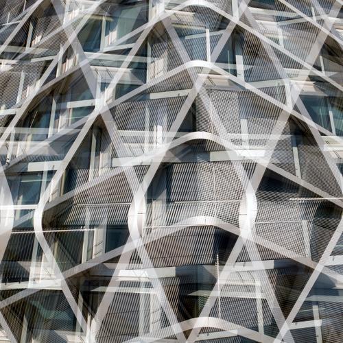 Modernisiert Architektur Stil Gebäude außergewöhnlich grau Linie Design Fassade Metall elegant modern ästhetisch verrückt Zukunft einzigartig neu