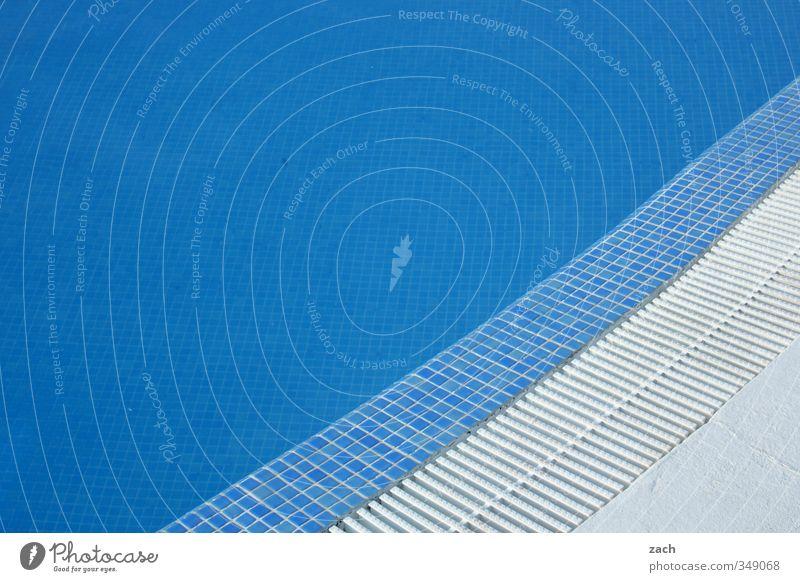 total blau | künstliches Becken Schwimmen & Baden Schwimmbad Wasser Linie tauchen weiß Erholung Ferien & Urlaub & Reisen Fliesen u. Kacheln türkis azurblau
