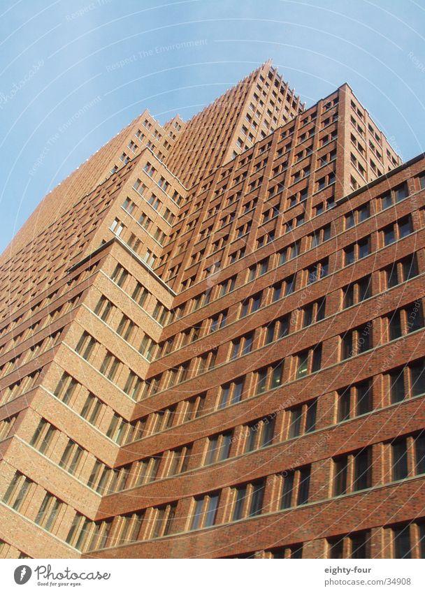 little ny Himmel Berlin Fenster Stein Architektur Ecke Backstein Zacken Bürogebäude Potsdamer Platz