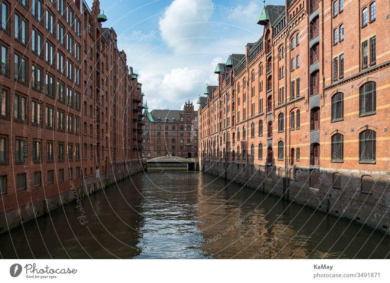 Historische Lagerhäuser im Stadtteil Speicherstadt von Hamburg, Deutschland Architektur berühmt Weltkulturerbe Baustein Stadtbild Großstadt reisen Tourismus
