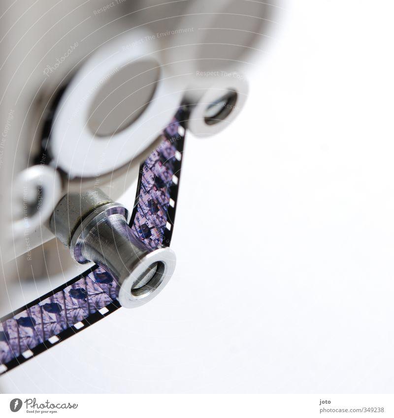 filmmaterial Technik & Technologie Vergänglichkeit retro Filmmaterial Bild Technikfotografie Gerät Maschine Nostalgie Erinnerung Windung altmodisch filmen negativ Reihenfolge Projektor