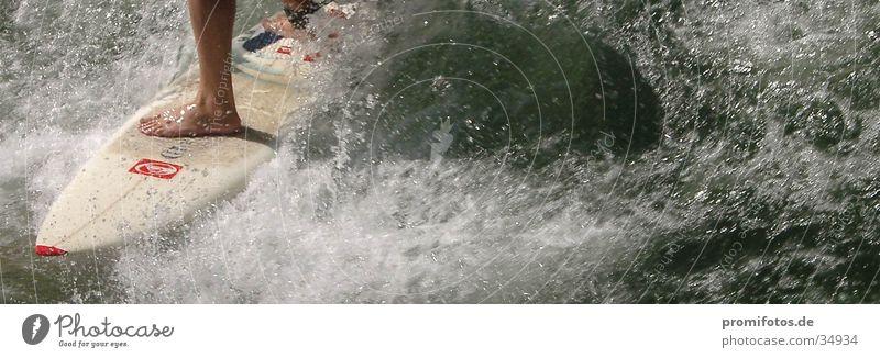 Brett, das die Welt bedeutet Wasser Sport Wellen Surfer Gischt Surfbrett
