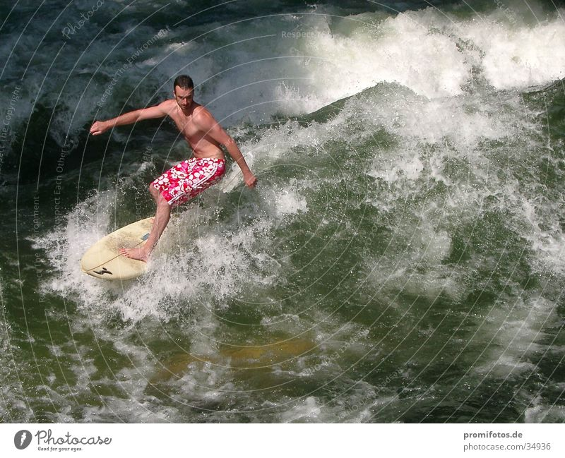 Vorsicht Wellenreiter! Wasser Sport Wellen Surfer Gischt Surfbrett