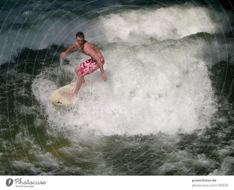 Achtung Welle! Surfer Surfbrett Wellen Gischt Sport Wasser