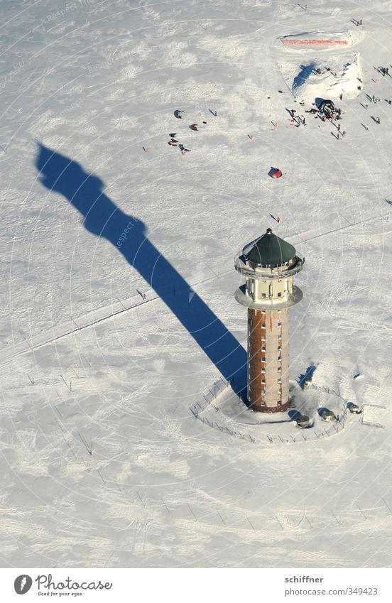 Schattendasein Landschaft Sonnenlicht Winter Schönes Wetter Schnee Hügel Berge u. Gebirge Gipfel Schneebedeckte Gipfel kalt weiß Schwarzwald Feldberg