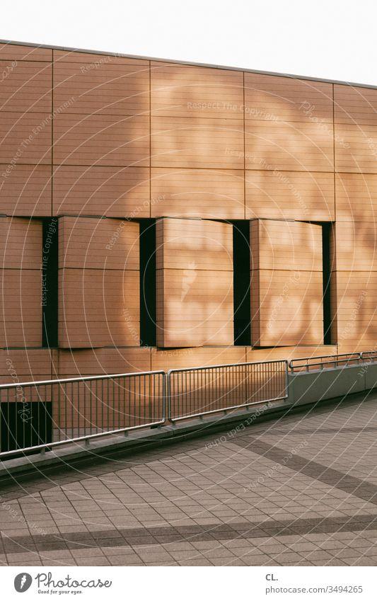 architektur Architektur Gebäude Fassade Geländer Wege & Pfade ästhetisch abstrakt Wand Stadt Licht eckig Linien Strukturen & Formen Muster Menschenleer