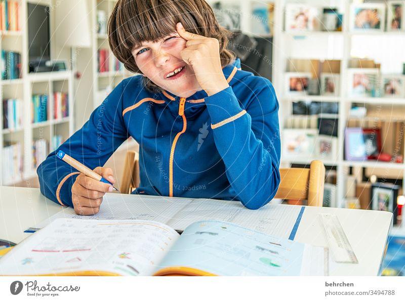 homeschooling | grübelnder quatschkopp Homeschooling Homeoffice Bildung rechnen schreiben lesen Zufriedenheit zu Hause arbeiten zu hause lernen zu hause bleiben
