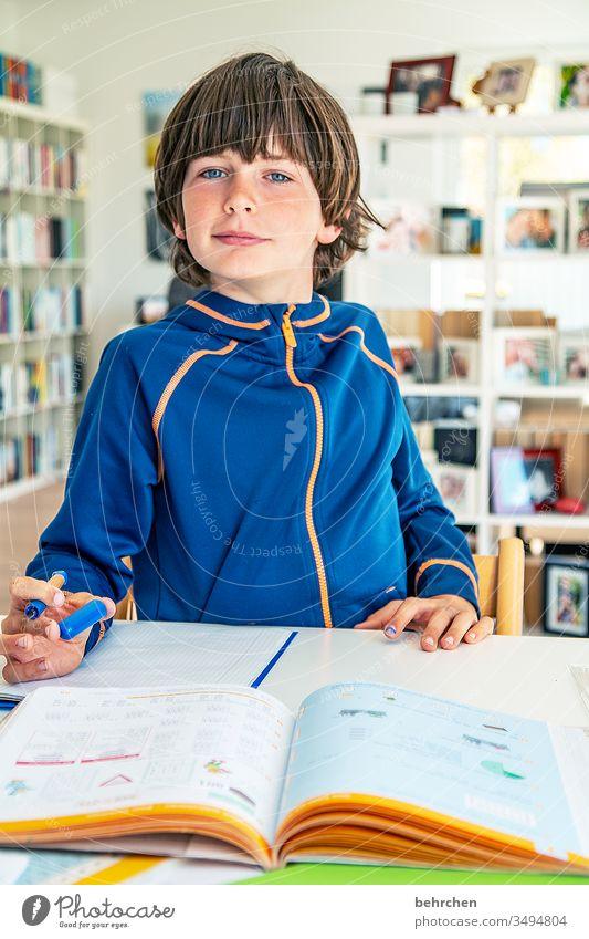 homeschooling | aufgabe fertig, ha! Homeschooling Homeoffice Bildung rechnen schreiben lesen Zufriedenheit zu Hause arbeiten zu hause lernen zu hause bleiben