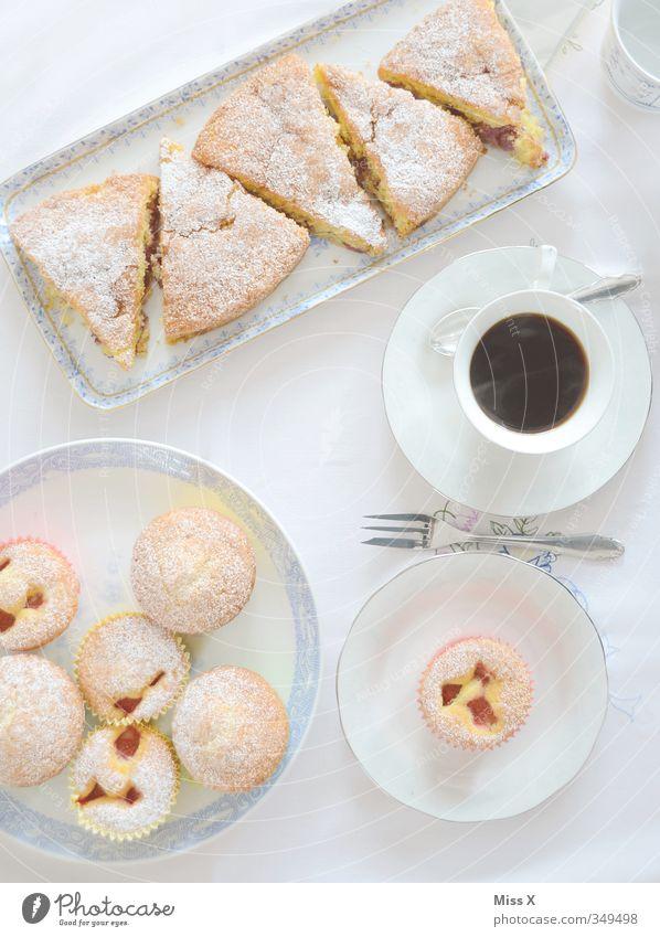kaffeetisch weiß Essen Feste & Feiern Lebensmittel Geburtstag Getränk Ernährung süß Kaffee trinken Süßwaren lecker Frühstück Geschirr Kuchen Tasse