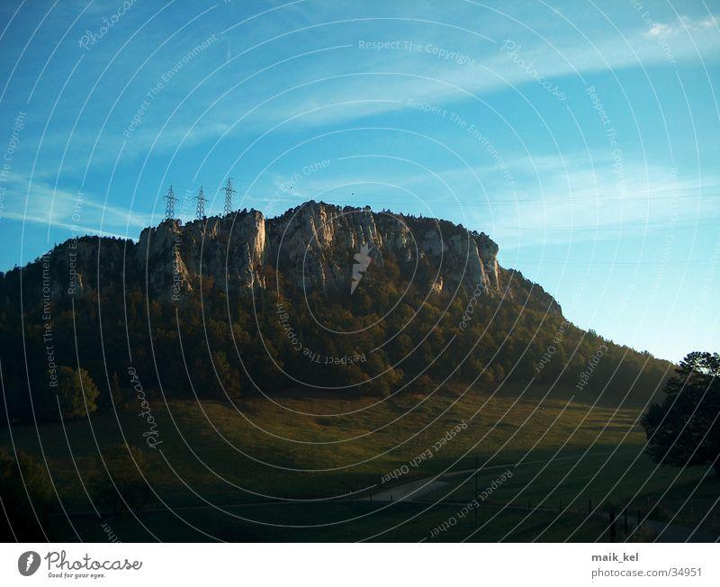 Berg Himmel Berge u. Gebirge Energiewirtschaft Elektrizität Jura
