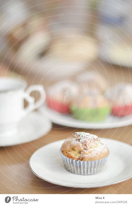 Muffin Lebensmittel Teigwaren Backwaren Kuchen Dessert Ernährung Frühstück Kaffeetrinken Getränk Heißgetränk Feste & Feiern Geburtstag klein lecker süß Geschirr