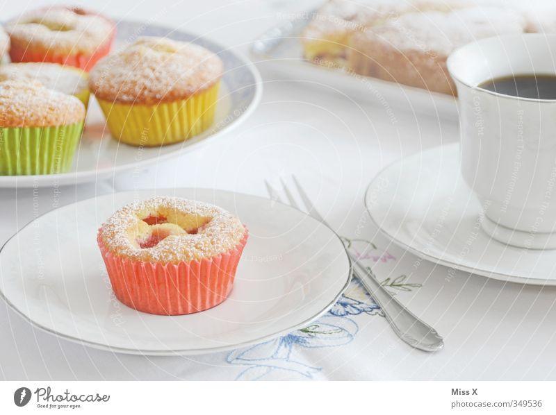 Muffin Feste & Feiern Lebensmittel Geburtstag Ernährung Getränk süß Kochen & Garen & Backen Kaffee lecker Frühstück Geschirr Kuchen Teller Backwaren Tischwäsche