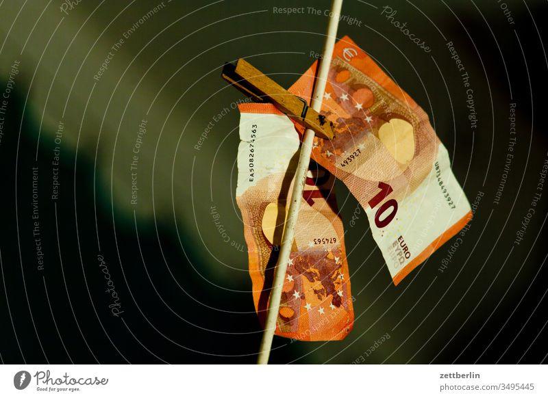 2x zehn Euro bank bargeld bestechung bezahlung einnahmen euro finanzen geldschein korruption papiergeld schwarzgeld spielgeld steuer steuereinnahmen vermögen