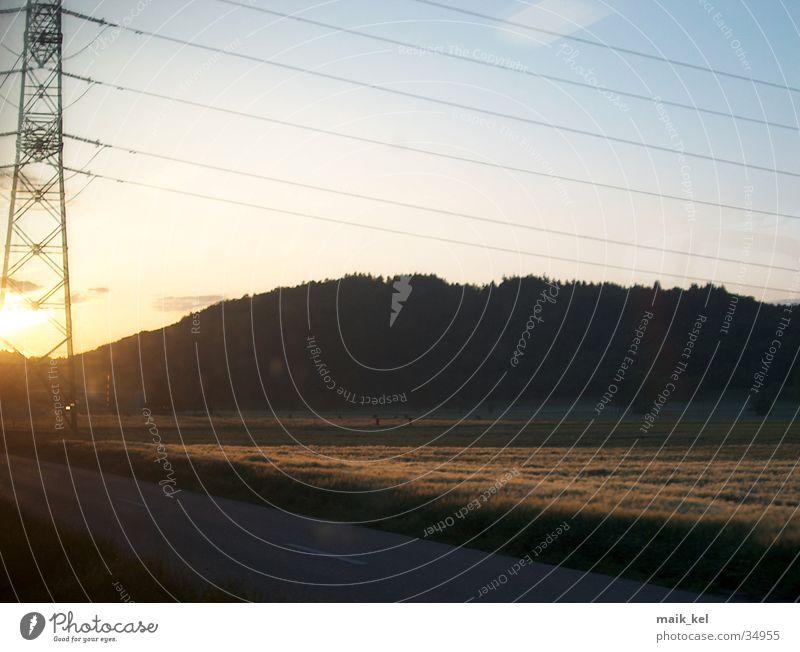 Energie Sonne Landschaft Energiewirtschaft Elektrizität Kabel Strommast Draht