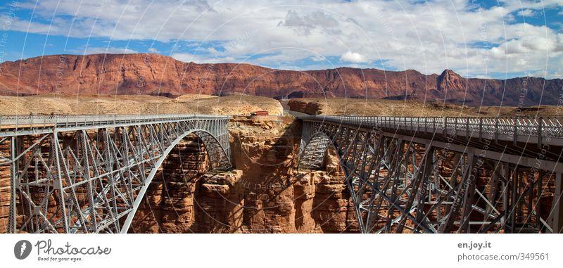 Seitenwechsel Natur Ferien & Urlaub & Reisen blau Landschaft Wolken Architektur Wege & Pfade außergewöhnlich braun Felsen Tourismus Verkehr hoch Brücke