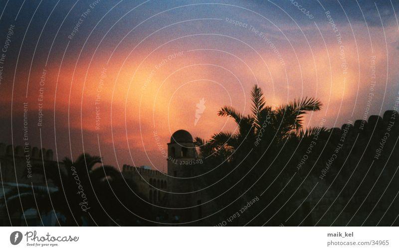 Leuchten am Himmel Lampe Abenddämmerung Tunesien