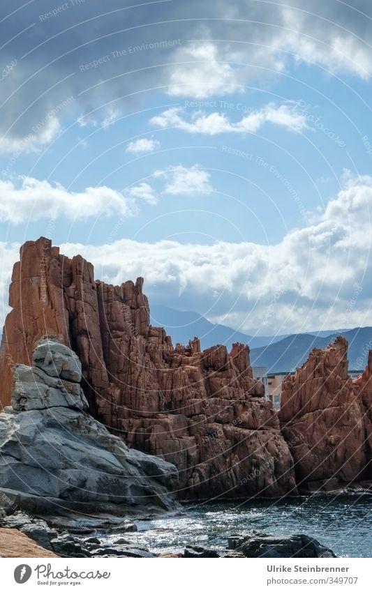 Rote Riesen 2 Umwelt Natur Landschaft Himmel Wolken Frühling Felsen Berge u. Gebirge Rote Felsen Küste Bucht Arbatax Italien Fischerdorf hoch natürlich aufwärts
