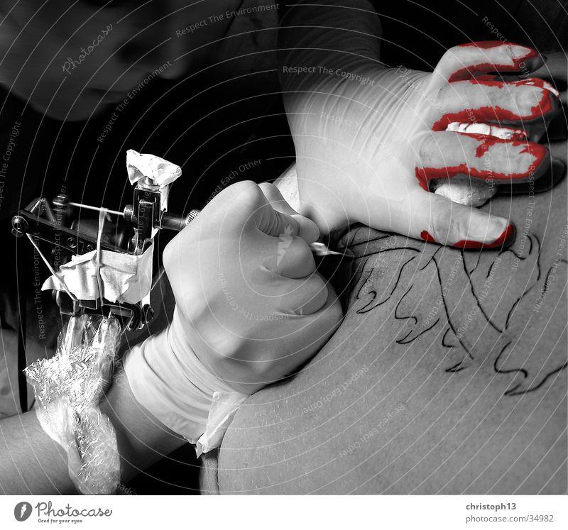 Schmerz Frau Rücken Haut Tattoo Blut Wirbelsäule