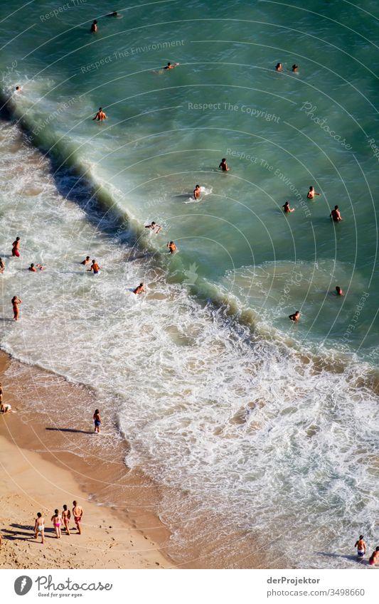 Badevergnügen in Nazaré braun wasser... Tourismus Sand Umwelt selbstbewußt Wassersport Europa blau Sonnenlicht Spuren Außenaufnahme Freizeit & Hobby grün