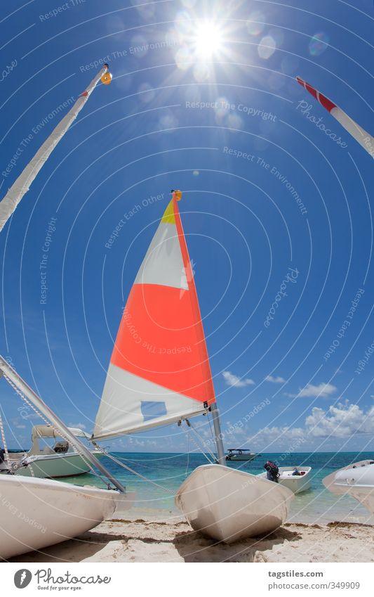 BÖÖTSCHE Mauritius Afrika Strand Meer Wasserfahrzeug Segelboot Segelschiff Gegenlicht Farbfoto Ferien & Urlaub & Reisen Reisefotografie Paradies Wassersport