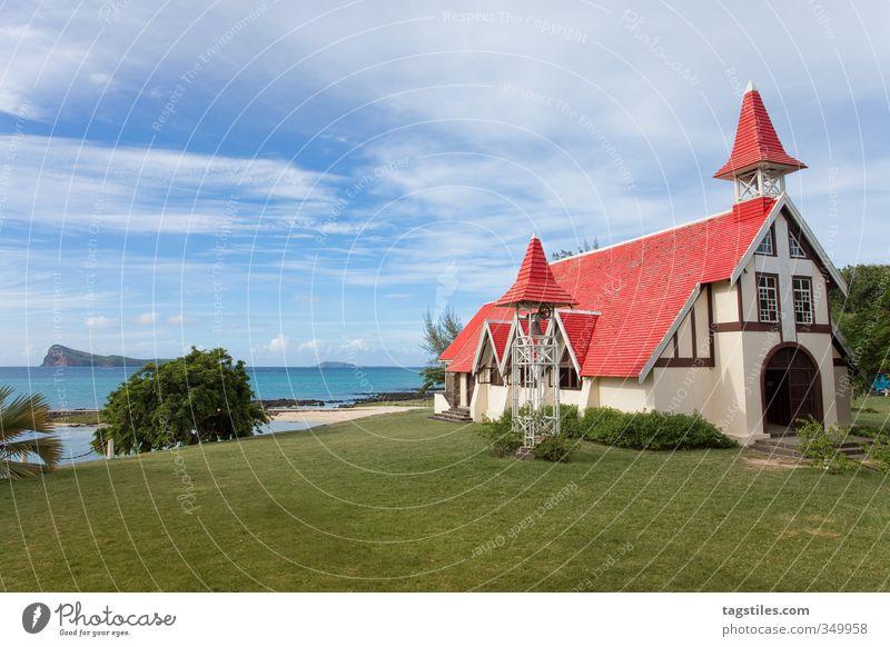CAP MALHEUREUX, MAURITIUS cap malheureux Mauritius Afrika Religion & Glaube Kirche Gotteshäuser Kap Kap Malheureux Insel Ferien & Urlaub & Reisen