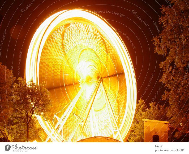 Wheel Riesenrad Nacht Langzeitbelichtung Jahrmarkt Geschwindigkeit Freizeit & Hobby Fun