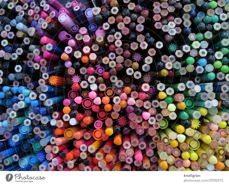 Über 300 Buntstifte und ein paar Filzstifte von oben fotografiert Schreibwaren malen Schreibgerät Hobby Schreibstift zeichnen Farbstift Freizeit & Hobby
