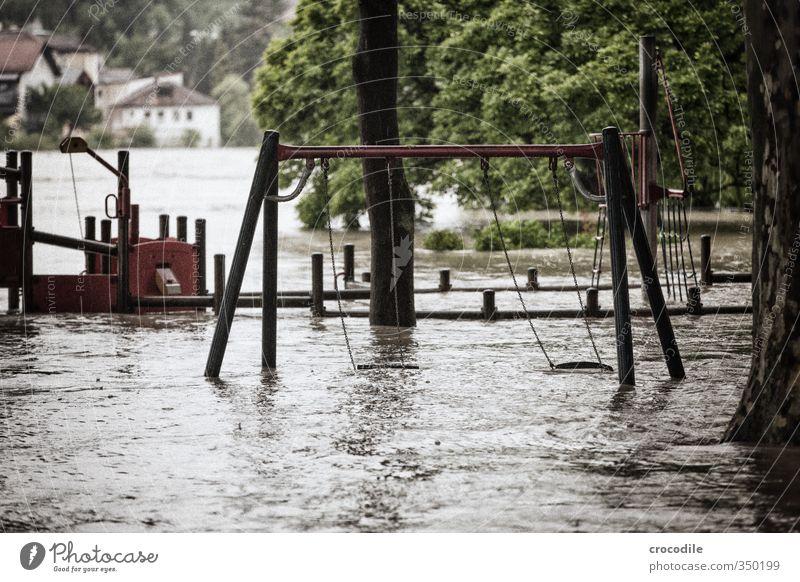 # 754 Hochwasser Passau Inn Spielplatz Schaukel Wasser Fluss Katastophe Angst Zukunftsangst Gedeckte Farben Frucht verwüstet Schlamm Donau Bayern