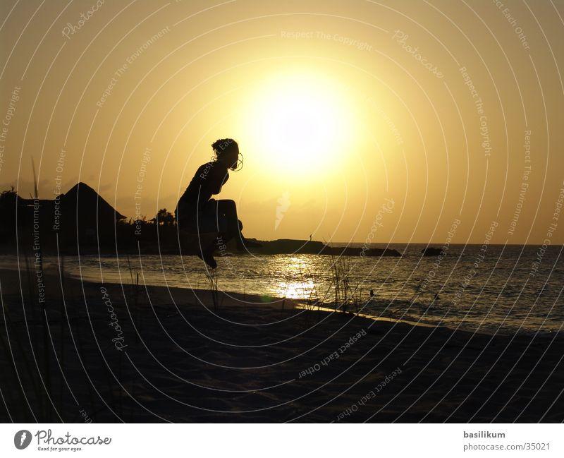 Sonnensprung Frau Mädchen Meer Strand Ferien & Urlaub & Reisen springen Sand Insel Kuba hüpfen
