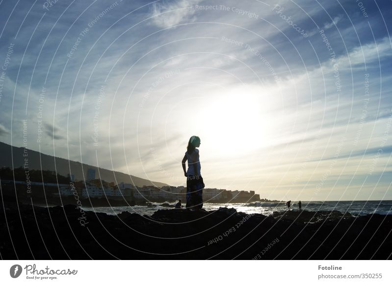 Fleckchen Erde mit Aussicht Mensch feminin Kind Mädchen Kindheit 1 Umwelt Natur Landschaft Himmel Wolken Sonne Sommer Schönes Wetter Wärme Küste Strand Meer