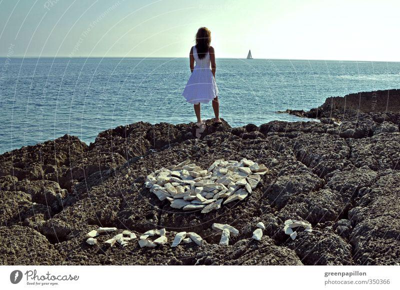 Fernweh - Croatia feminin Junge Frau Jugendliche Erwachsene Sommer Küste Meer Ferien & Urlaub & Reisen blau grau Sehnsucht Kroatien Herz Segelboot Horizont
