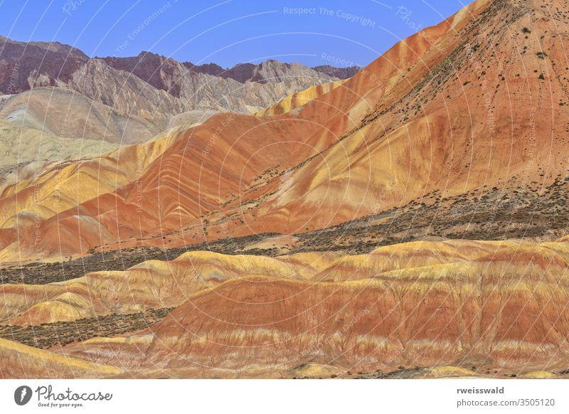 Rückkehr-Segel im Sonnenuntergang und Schlafen-Schönheits-Landformen von der Besichtigungsstraße aus. Zhangye-Danxia-Qicai Landschaftsflecken-Gansu-China-0830