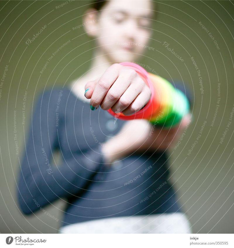 Wenn das jemand kauft, geb ich einen aus. Mensch Kind Jugendliche Farbe Hand Mädchen Leben Spielen Mode Freizeit & Hobby Kindheit 13-18 Jahre Kitsch Mitte nah zeigen