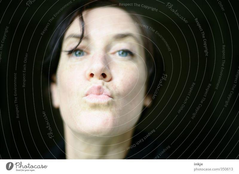 D A N K E S C H Ö N !!! [1111] Frau Erwachsene Leben Gesicht Lippen Mensch 30-45 Jahre Küssen Freundlichkeit nah Gefühle Sympathie Verliebtheit Romantik dankbar