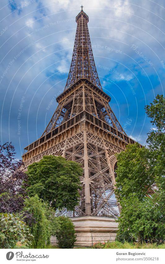 Der Eiffelturm in Paris, Frankreich Himmel Tourismus Großstadt reisen Turm Europa Eifel Architektur Französisch Symbol urban national Wahrzeichen Denkmal