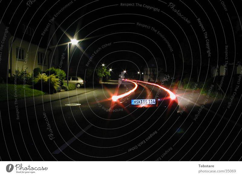 Auto bei nacht Nacht Langzeitbelichtung lang Licht Fototechnik PKW Straße