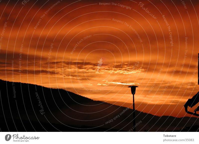 Sonnenaufgang Sonne rot Wolken Berge u. Gebirge Treppe Sonnenaufgang Sauerland
