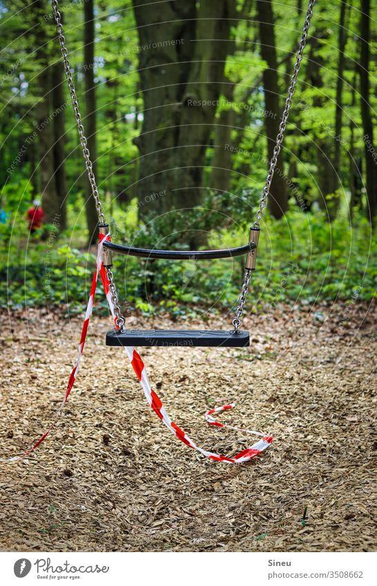 Mir reicht's, ich geh jetzt schaukeln. Schaukel Spielplatz Waldspielplatz Natur Spielen Kindheit Freude Kinderspiel Freizeit & Hobby Bewegung Freiheit