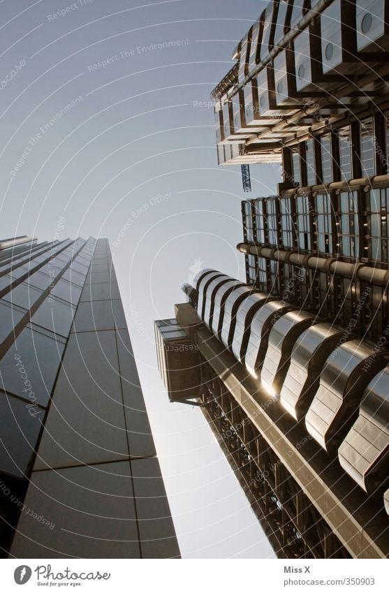 Wolkenkratzers* Wirtschaft Kapitalwirtschaft Börse Hauptstadt Skyline Hochhaus Bankgebäude Bauwerk Gebäude Architektur gigantisch hoch Business Farbfoto
