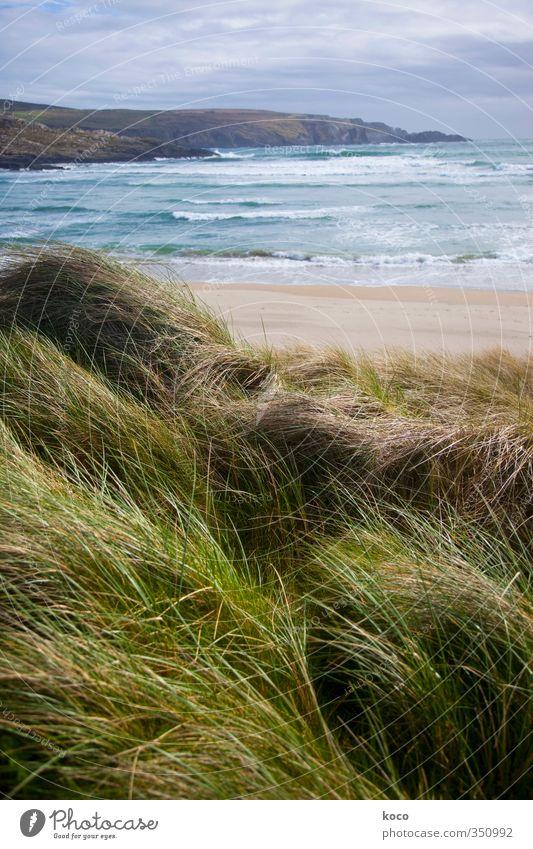Über das Meer und über das Leben. Himmel Natur blau grün Wasser Sommer Meer Landschaft Wolken Strand Umwelt Berge u. Gebirge Gras Frühling Küste Sand