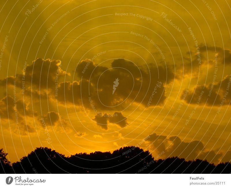 Dawn #2 Sonnenuntergang Wolken rot Beleuchtung Sonnenrot