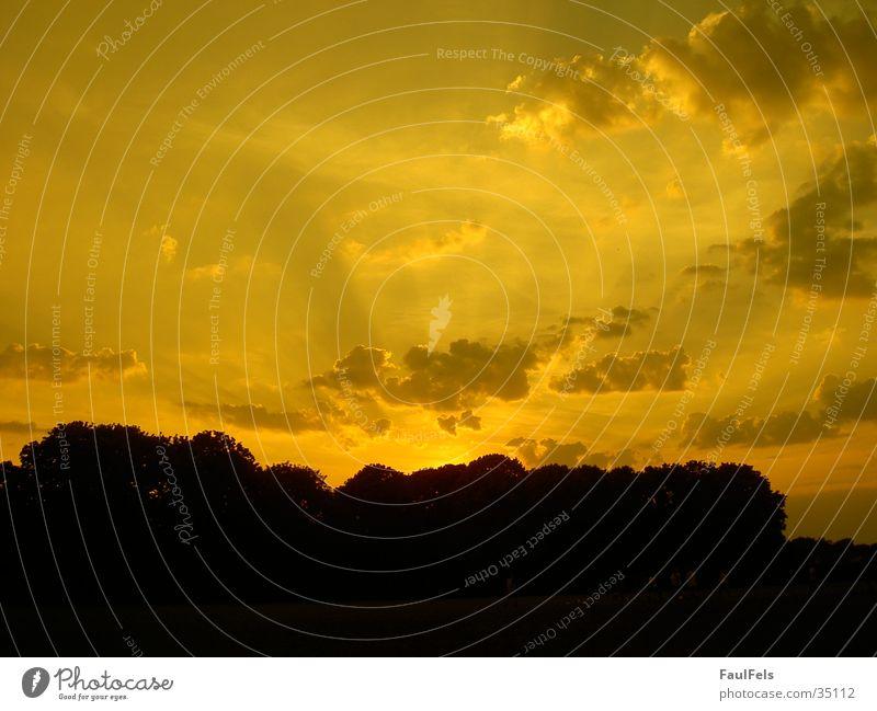 Dawn #3 Sonne rot Wolken Beleuchtung